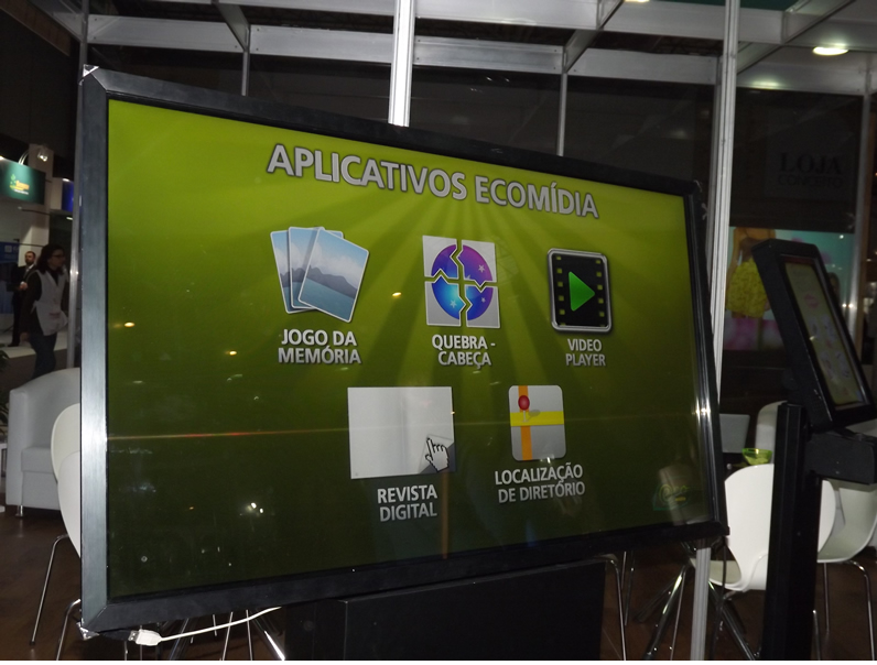 Display Digital é equipado com câmera e possibilita interatividade
